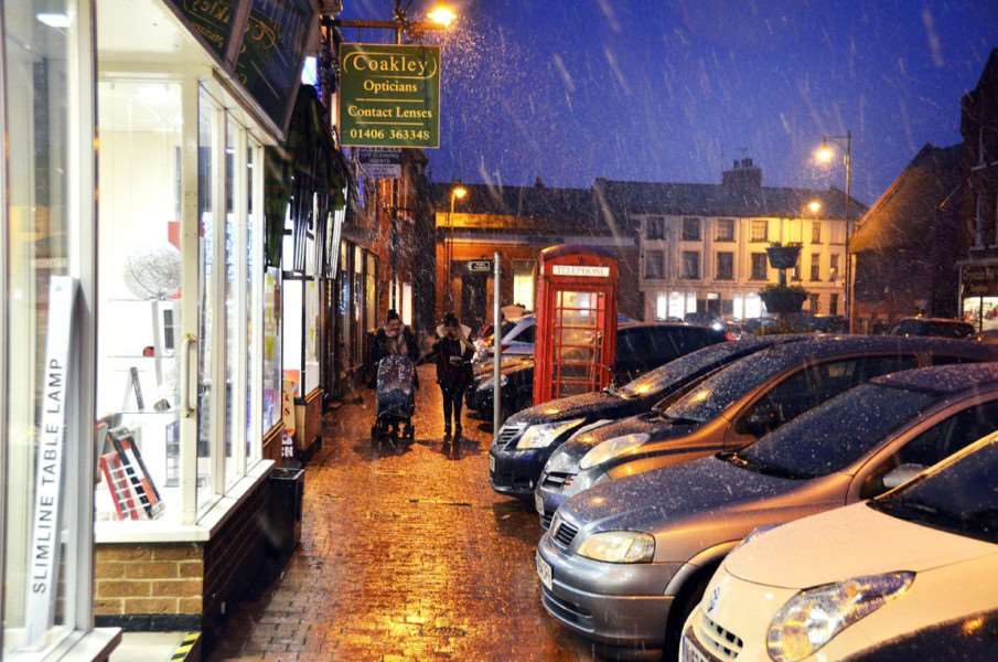 Snow shower in Long Sutton Market Place at 4pm